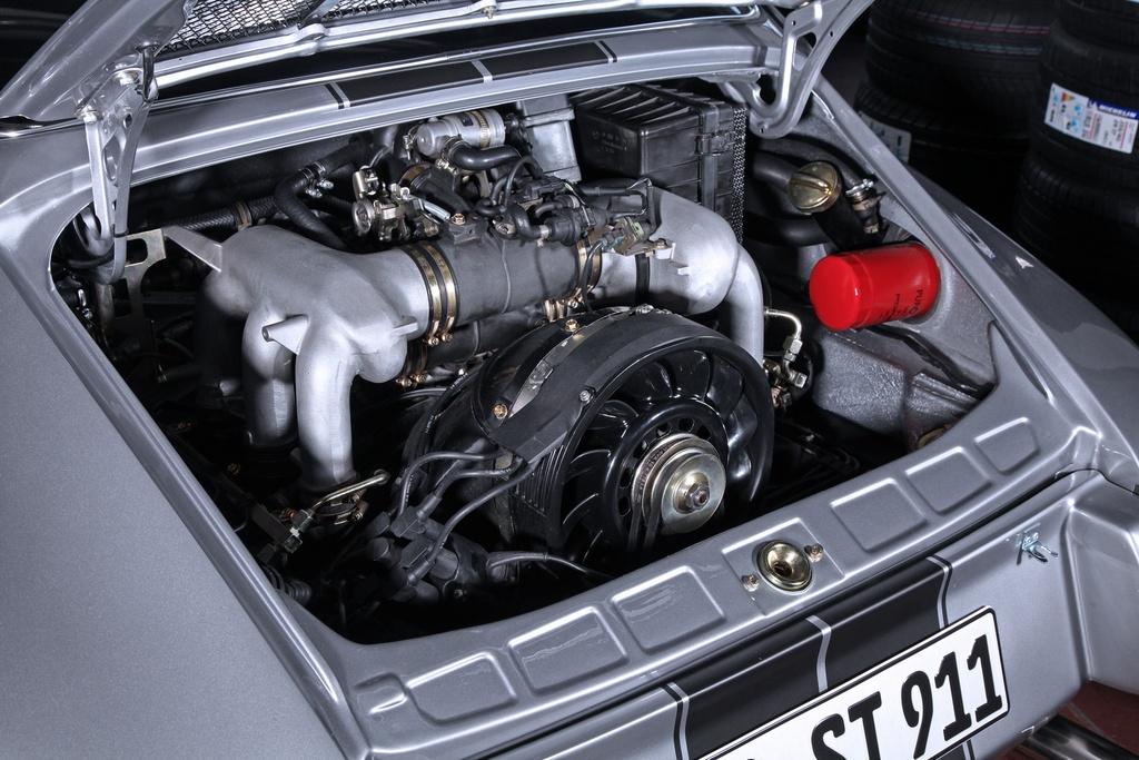 Porsche 911 doi 1985 do lai thanh xe co doi 1970 hinh anh 8 1985_porsche_911_tuning_dp_motorsports_9.jpg