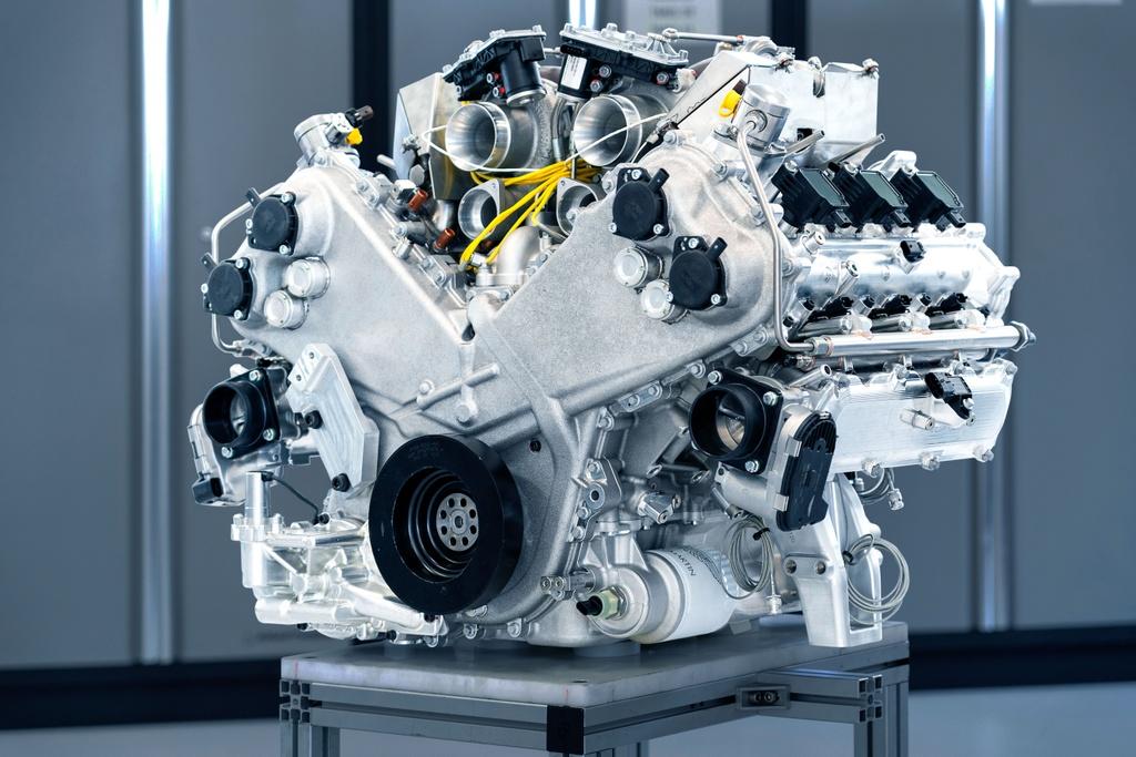 Aston Martin ra mat dong co manh hon 700 ma luc, nang chua den 200 kg hinh anh 2 Aston_Martins_new_3.0L_V6_Engine_1.jpg