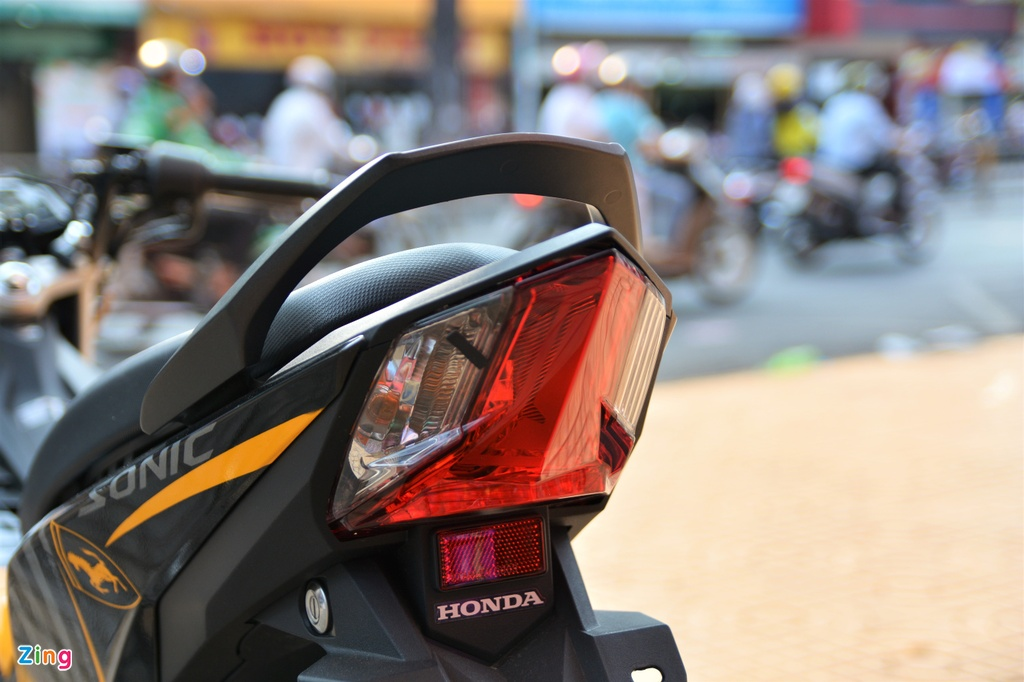 Mua xe con tay 150 cc - chon Suzuki Satria chinh hang hay Honda Sonic? hinh anh 5 5_Sonic_zing.jpg