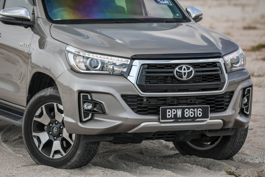 Ra mat Toyota Hilux the he moi - thay doi dien mao, tinh chinh dong co hinh anh 2 3_Hilux.jpg