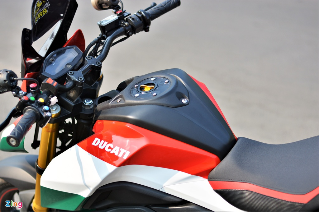 Yamaha TFX bien hoa thanh Ducati Hypermotard doc nhat VN anh 4