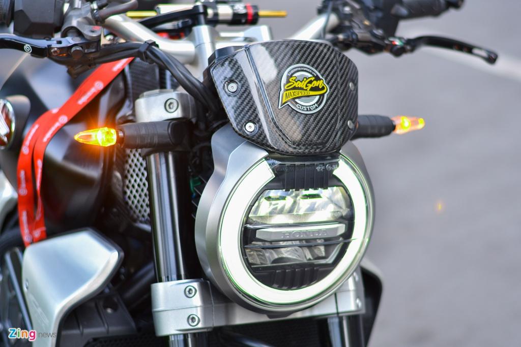 Honda CB1000R voi goi do 200 trieu tai TP.HCM hinh anh 3 13_CB1000R_zing.jpg