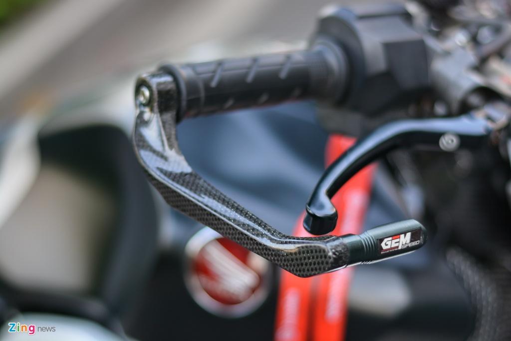 Honda CB1000R voi goi do 200 trieu tai TP.HCM hinh anh 6 18_CB1000R_zing.jpg