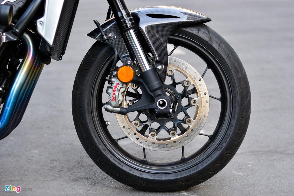 Honda CB1000R voi goi do 200 trieu tai TP.HCM hinh anh 4 20_CB1000R_zing.jpg