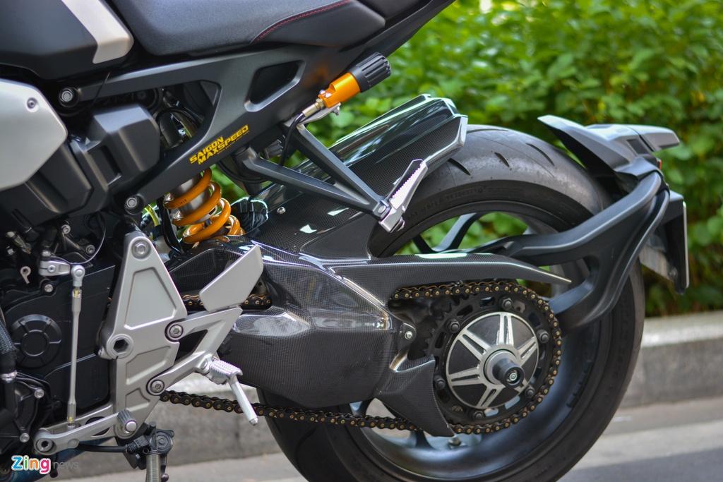 Honda CB1000R voi goi do 200 trieu tai TP.HCM hinh anh 12 6_CB1000R_zing.jpg