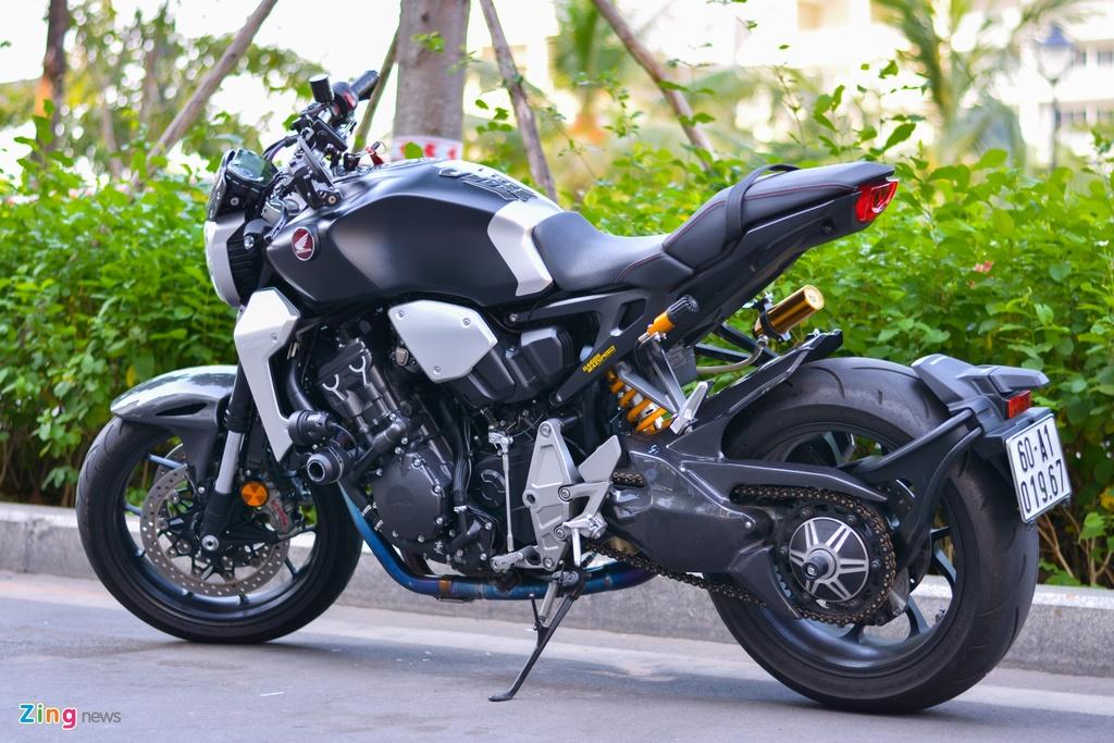 Honda CB1000R voi goi do 200 trieu tai TP.HCM hinh anh 16 9_CB1000R_zing.jpg