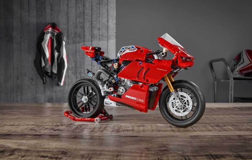 Ducati Panigale V4R phien ban Lego anh 4