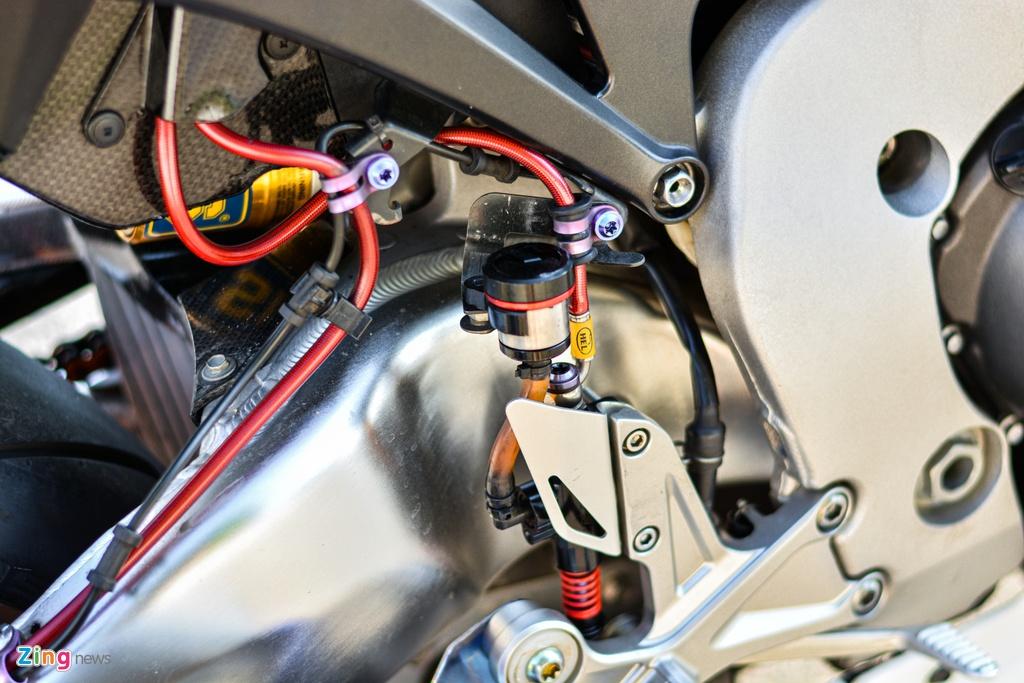Honda CBR1000RR voi goi do hon 150 trieu cua dan choi TP.HCM hinh anh 19 11_HondaCBR1000RR_zing.jpg