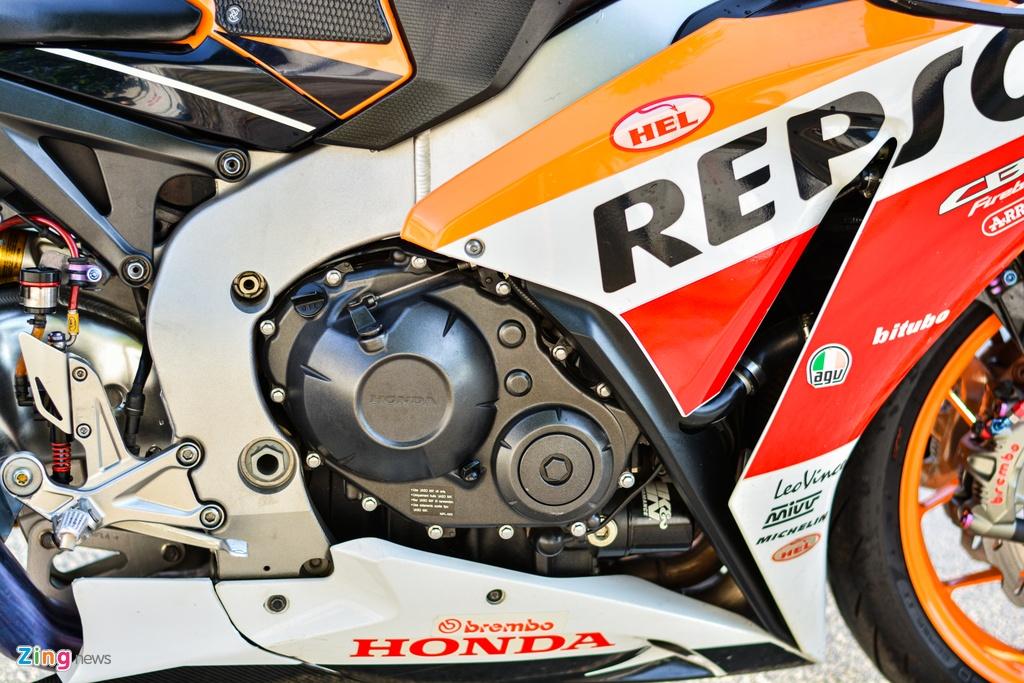 Honda CBR1000RR voi goi do hon 150 trieu cua dan choi TP.HCM hinh anh 10 13_HondaCBR1000RR_zing.jpg
