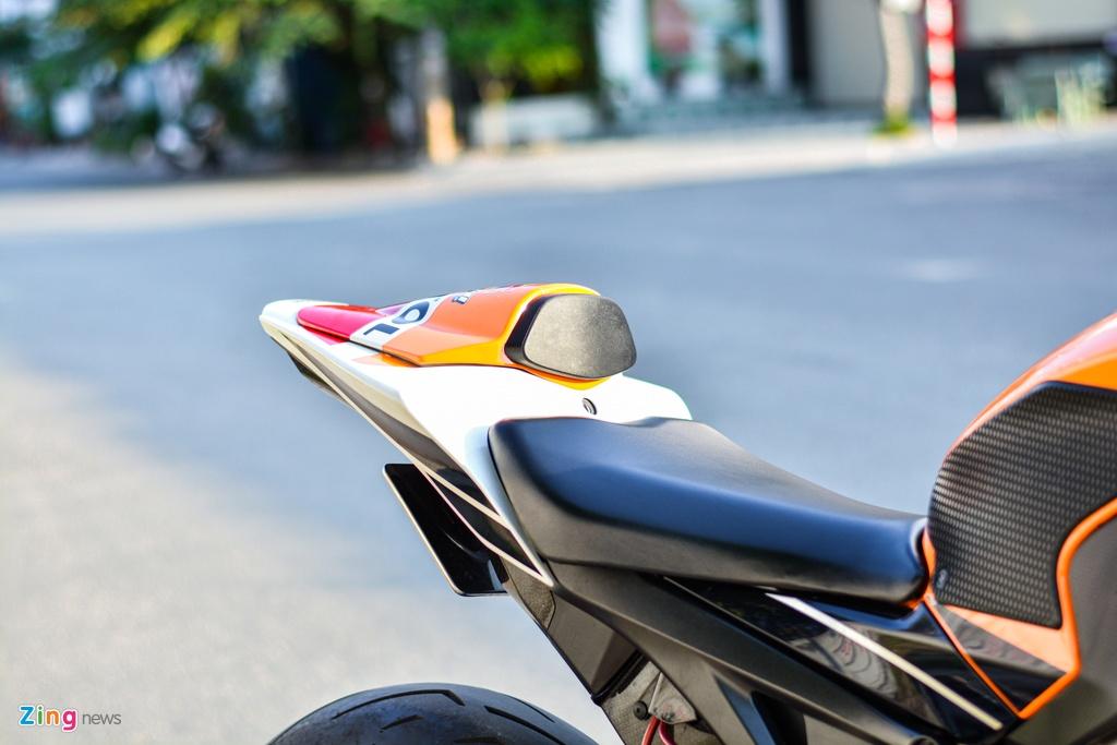 Honda CBR1000RR voi goi do hon 150 trieu cua dan choi TP.HCM hinh anh 20 14_HondaCBR1000RR_zing.jpg
