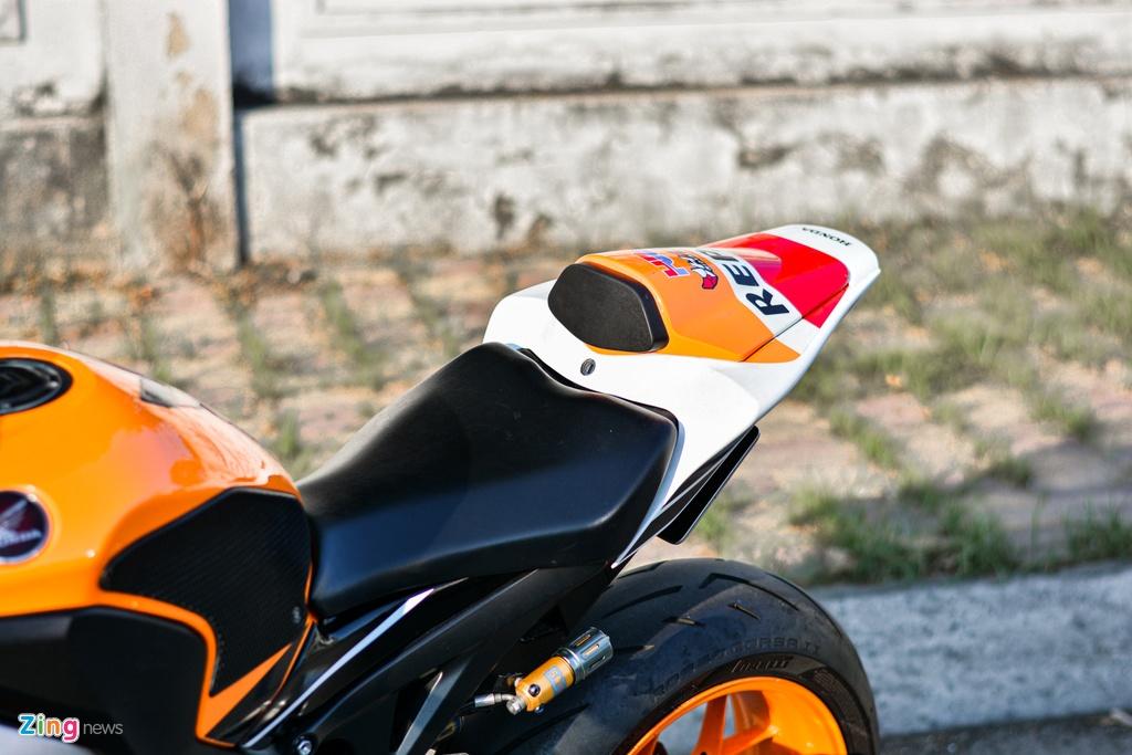 Honda CBR1000RR voi goi do hon 150 trieu cua dan choi TP.HCM hinh anh 8 20_HondaCBR1000RR_zing.jpg