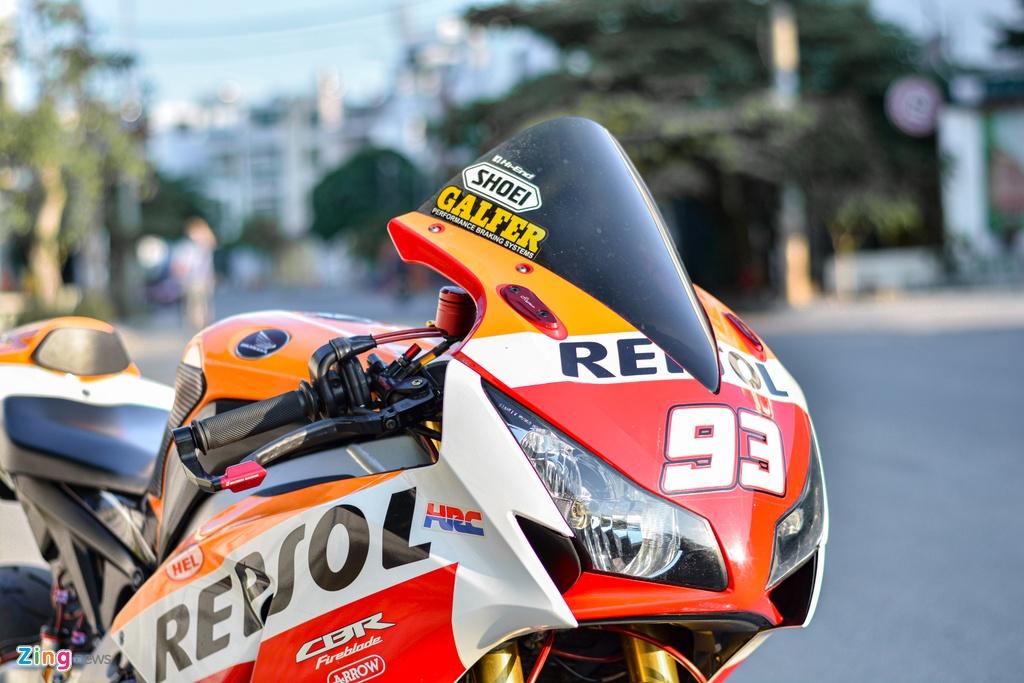 Honda CBR1000RR voi goi do hon 150 trieu cua dan choi TP.HCM hinh anh 4 22_HondaCBR1000RR_zing.jpg