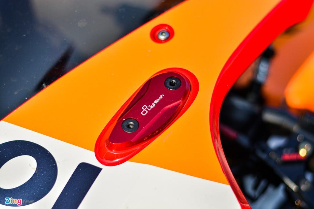 Honda CBR1000RR voi goi do hon 150 trieu cua dan choi TP.HCM hinh anh 5 7_HondaCBR1000RR_zing.jpg