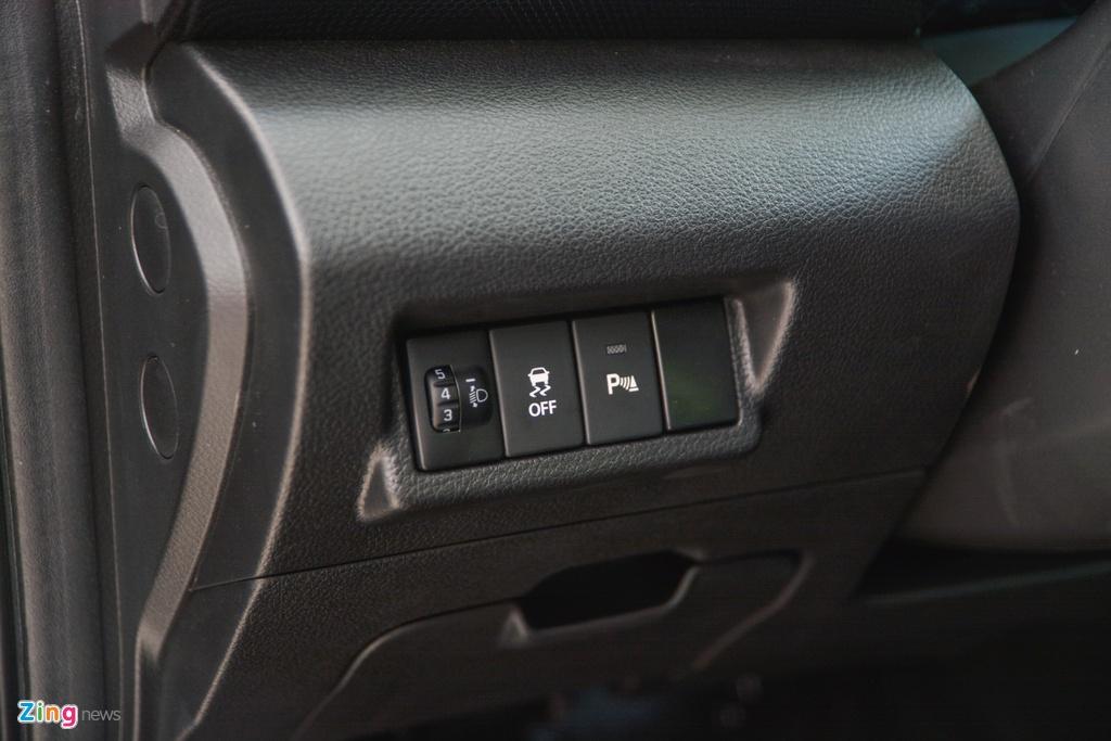 Suzuki XL7 vua ve dai ly, SUV gia tu 589 trieu dong hinh anh 16 12_XL7_zing.jpg