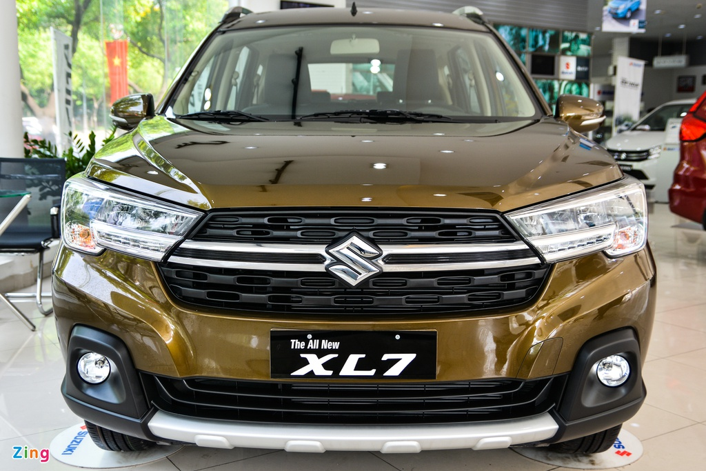 Suzuki XL7 vua ve dai ly, SUV gia tu 589 trieu dong hinh anh 3 3_XL7_zing.jpg