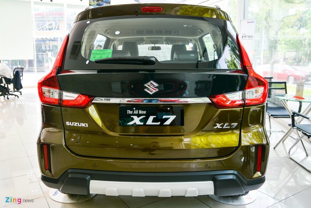 Suzuki XL7 vua ve dai ly, SUV gia tu 589 trieu dong hinh anh 6 9_XL7_zing.jpg