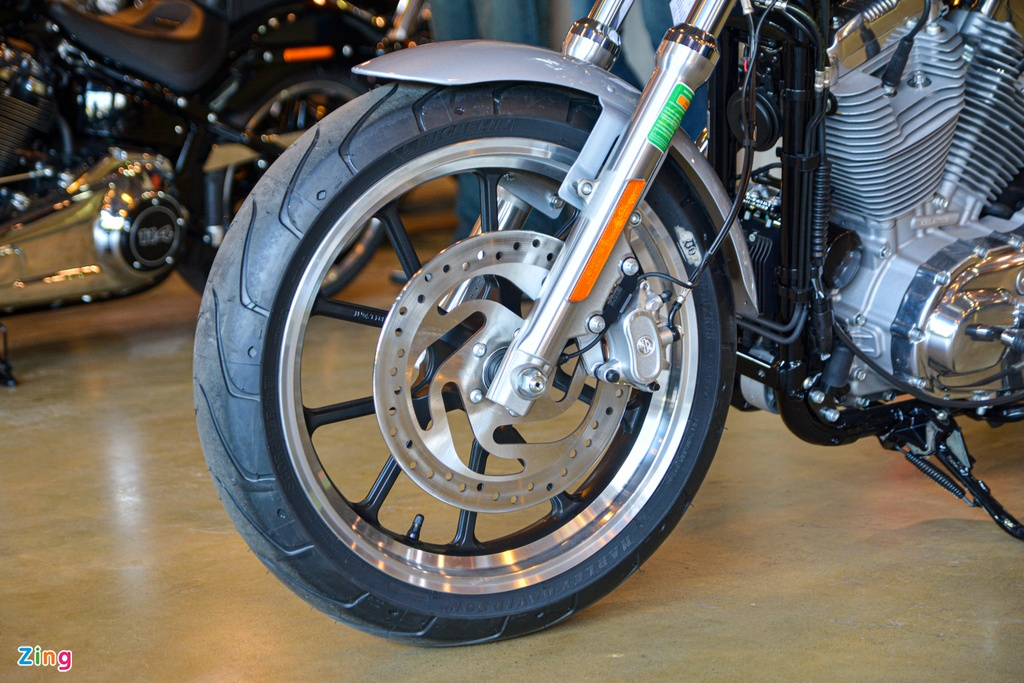 Harley-Davidson SuperLow 2020 xe Harley-Davidson gia re nhat VN anh 3