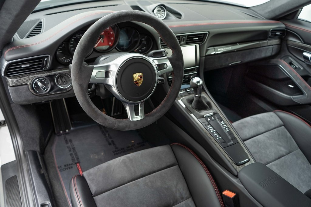 Chi tiet Porsche 911 Carrera GTS Rennsport Reunion anh 6