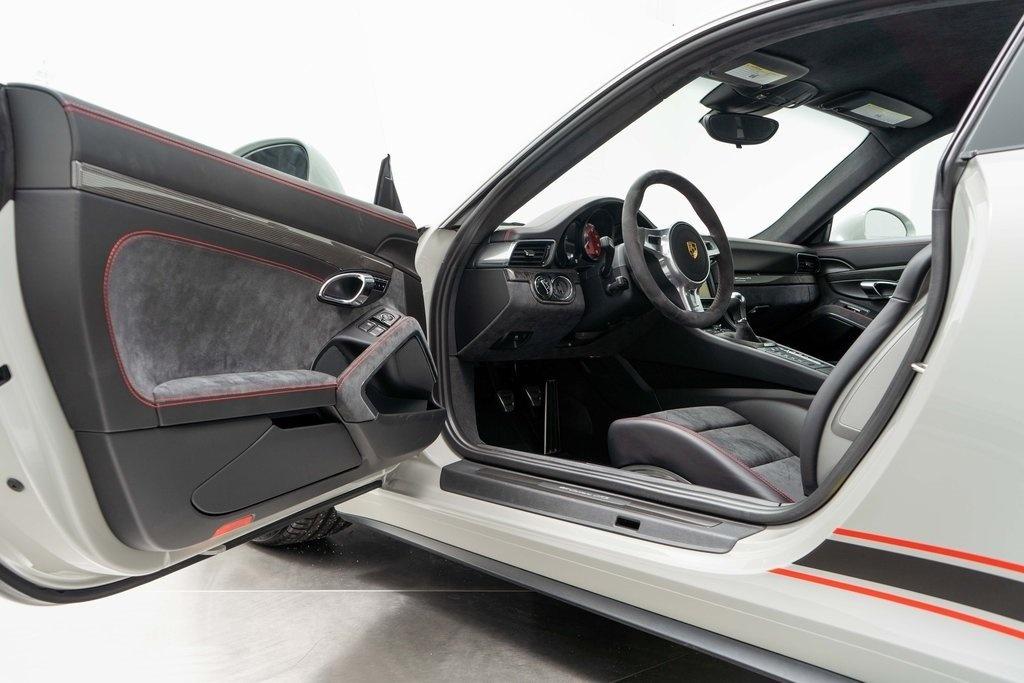 Chi tiet Porsche 911 Carrera GTS Rennsport Reunion anh 8