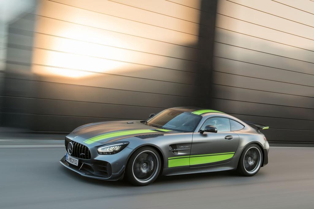 Ra mat Mercedes-AMG GT R Pro 2021 tai Australia,  gioi han 15 chiec anh 11