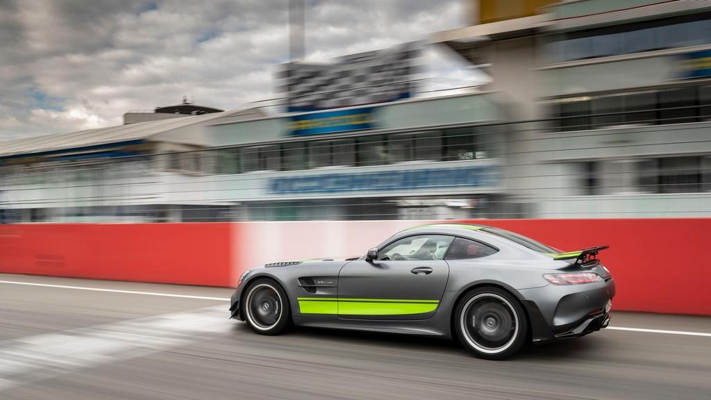 Ra mat Mercedes-AMG GT R Pro 2021 tai Australia,  gioi han 15 chiec anh 1