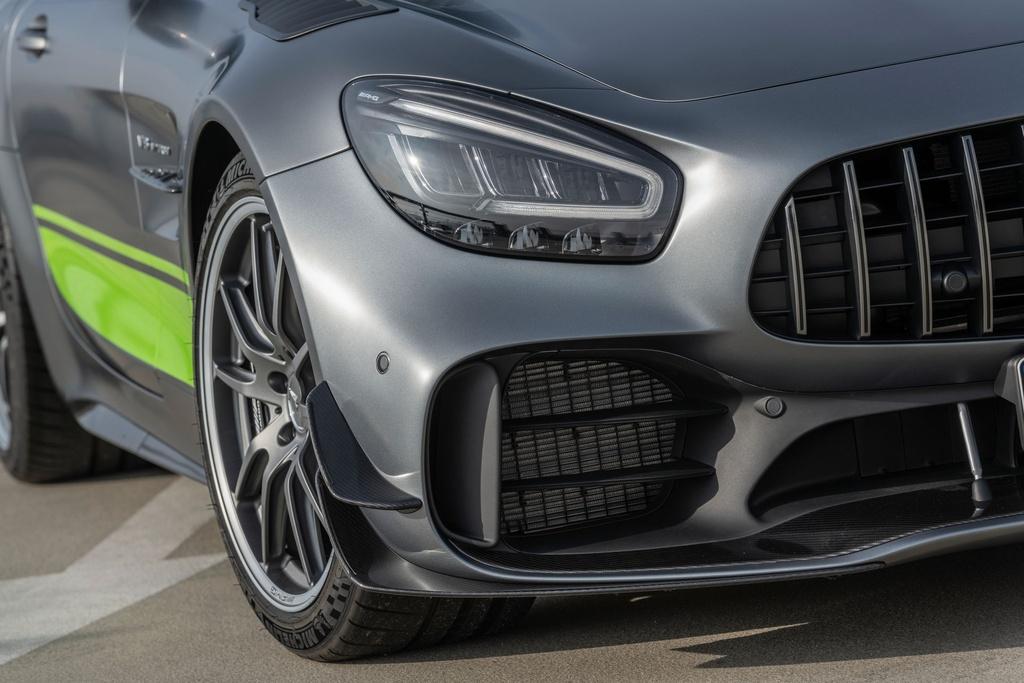 Ra mat Mercedes-AMG GT R Pro 2021 tai Australia,  gioi han 15 chiec anh 4