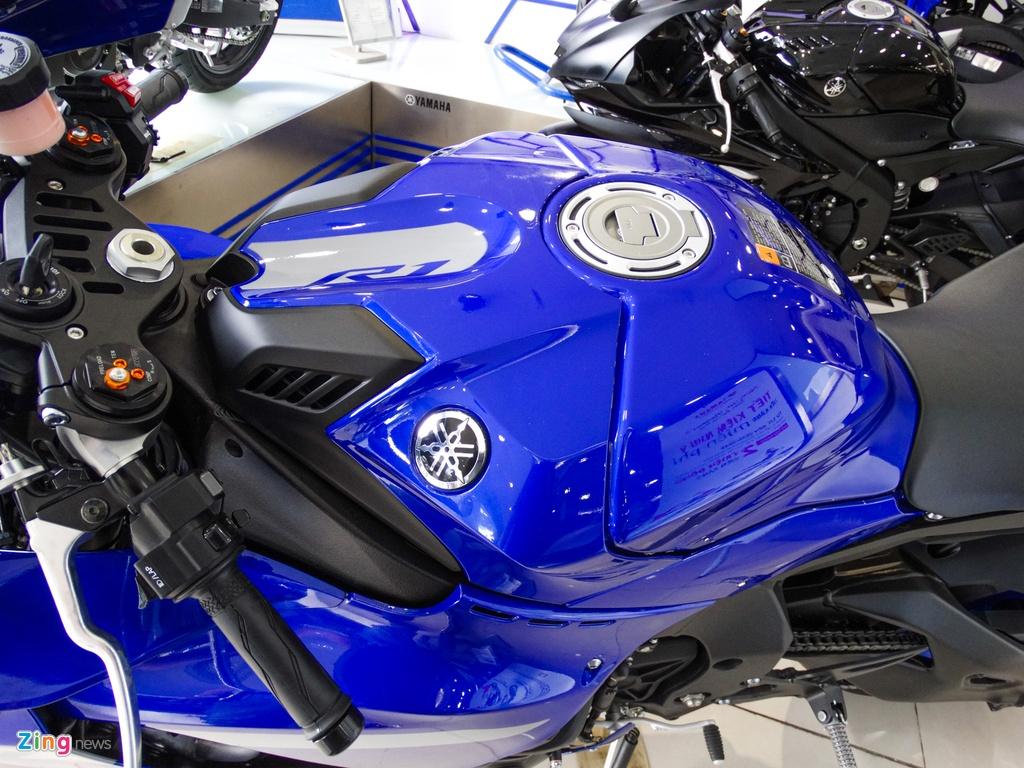 Yamaha YZF-R1 2020 tai VN - doi thu Kawasaki ZX-10R,  gia 729 trieu anh 4