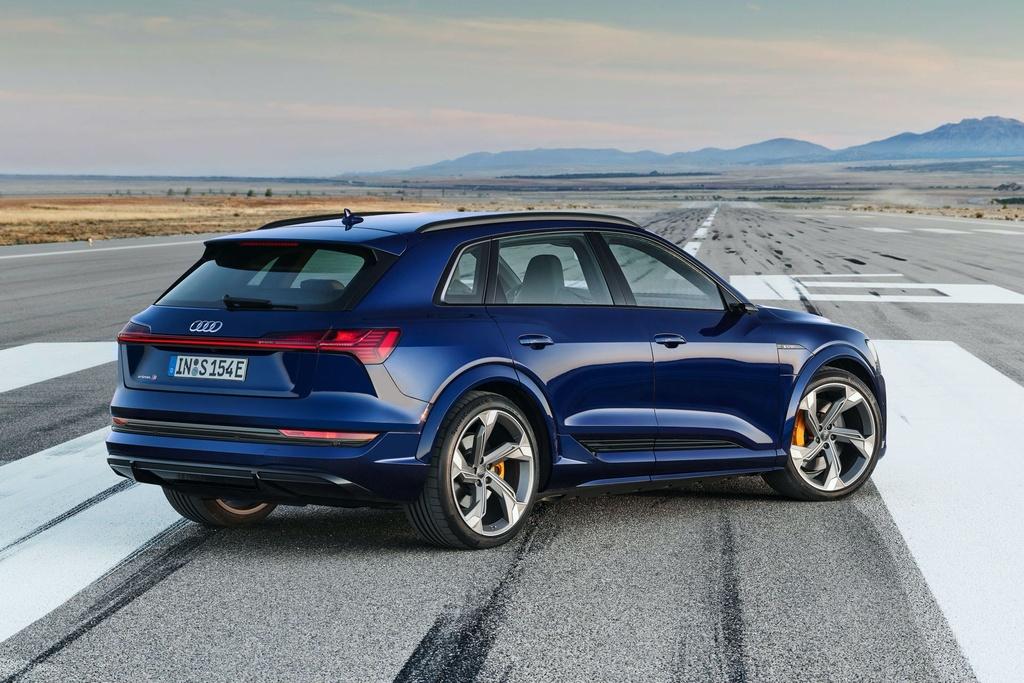 Ra mat Audi e-tron phien ban nang cap suc manh anh 8