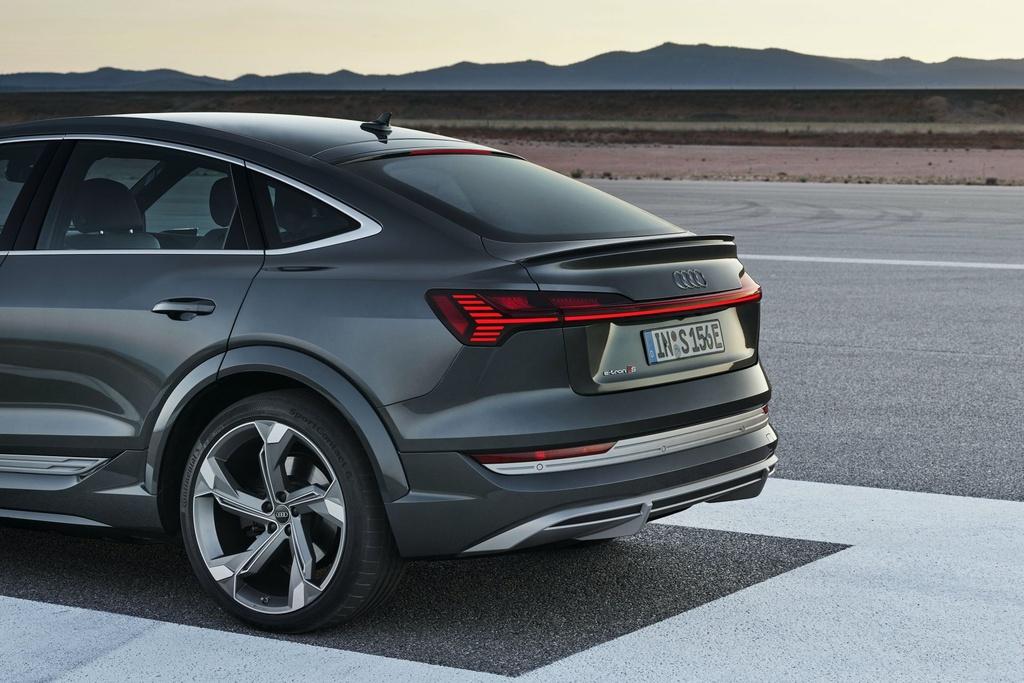 Ra mat Audi e-tron phien ban nang cap suc manh anh 13