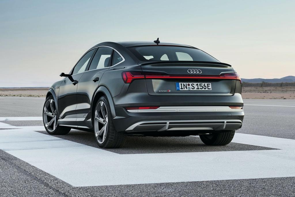 Ra mat Audi e-tron phien ban nang cap suc manh anh 7