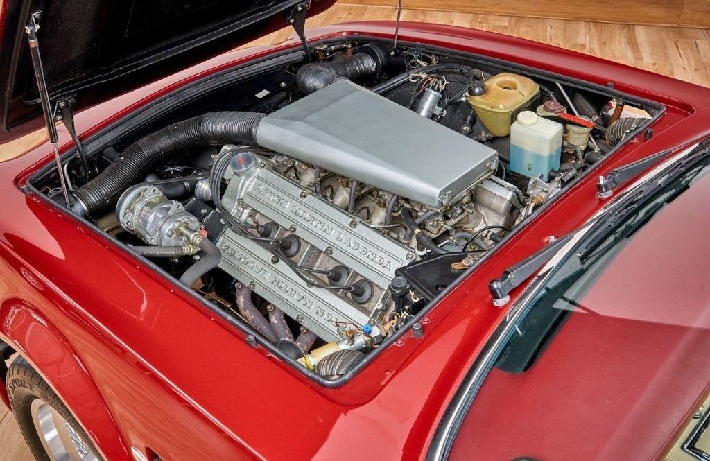 David Beckham rao ban xe co Aston Martin V8 Volante 1988 anh 5