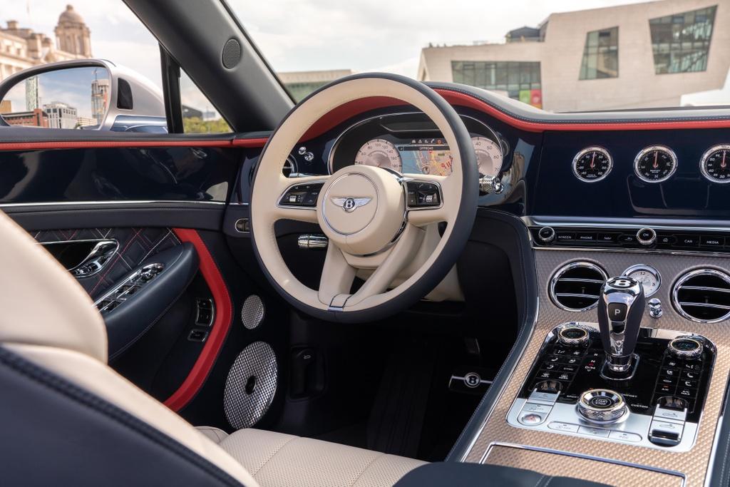 Chi tiet xe sang Bentley Continental GTC Convertible Mulliner anh 7