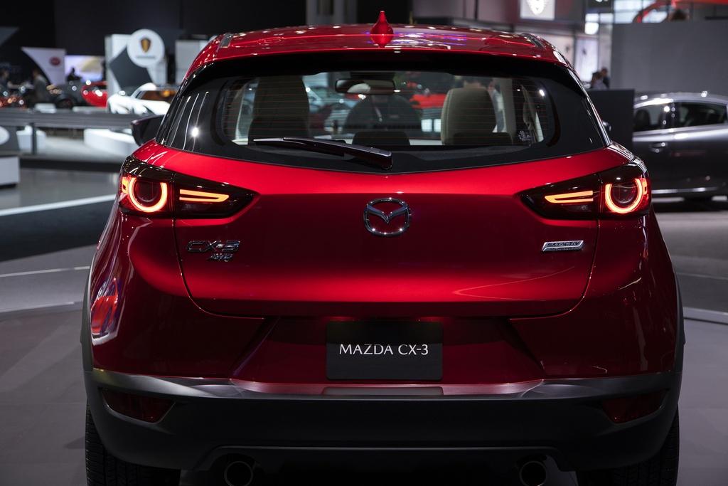Mo ban Mazda CX-3 2021 - 2 phien ban,  gia tu 20.640 USD anh 3