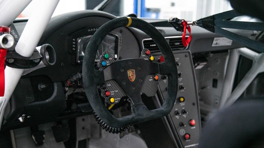 Dau gia Porsche 911 GT3 phien ban xe dua,  re hon Porsche 911 moi o VN anh 4