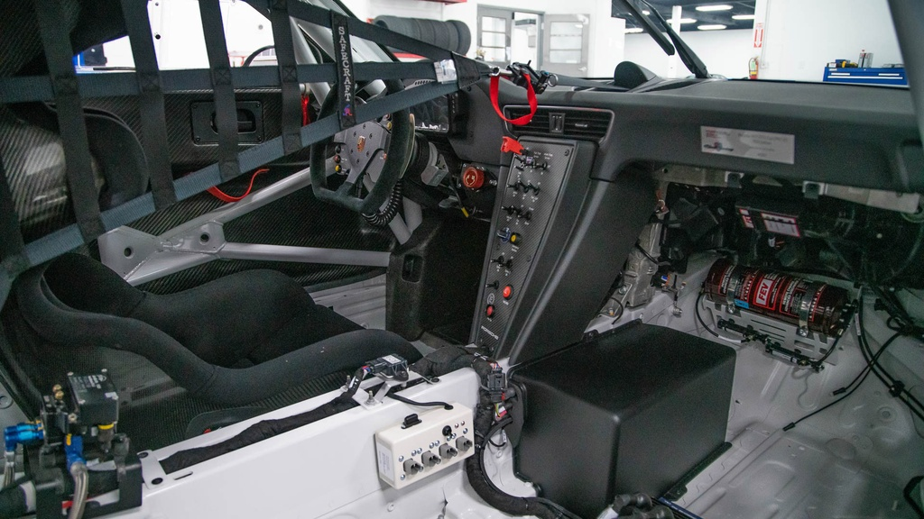 Dau gia Porsche 911 GT3 phien ban xe dua,  re hon Porsche 911 moi o VN anh 5