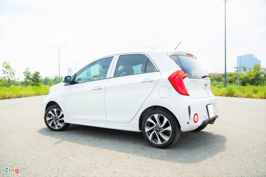 VinFast Fadil bi Hyundai Grand i10 vuot mat trong phan khuc xe hang A anh 4