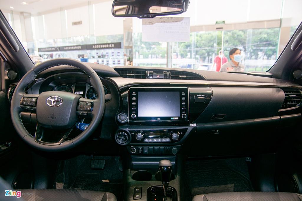 Chi tiet Toyota Hilux Adventure gia 913 trieu dong tai Viet Nam anh 9