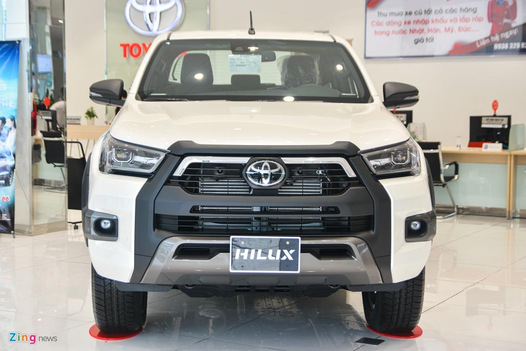 Chi tiet Toyota Hilux Adventure gia 913 trieu dong tai Viet Nam anh 2
