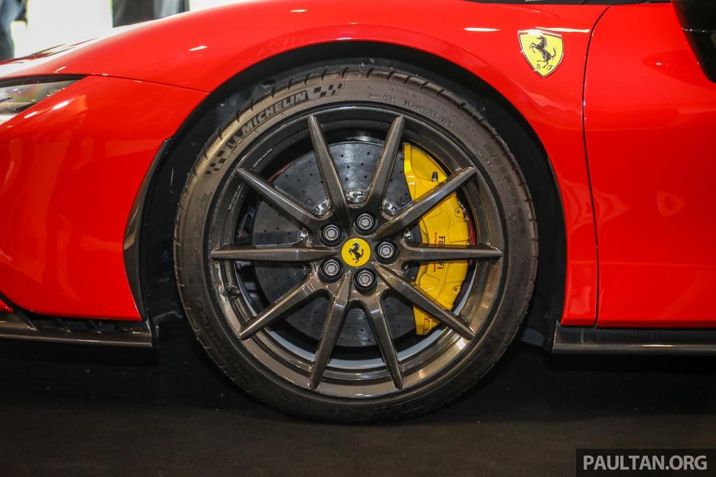 Sieu xe Ferrari SF90 Stradale duoc ra mat tai Malaysia anh 5