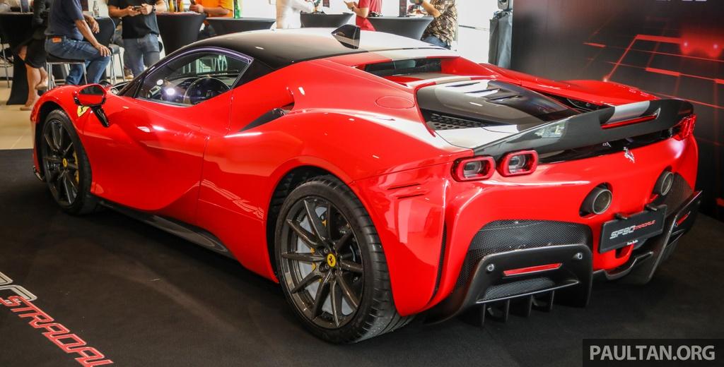 Sieu xe Ferrari SF90 Stradale duoc ra mat tai Malaysia anh 2