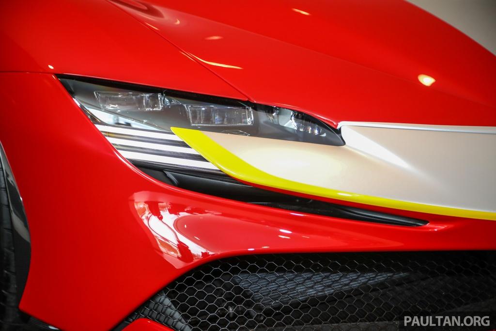 Sieu xe Ferrari SF90 Stradale duoc ra mat tai Malaysia anh 3