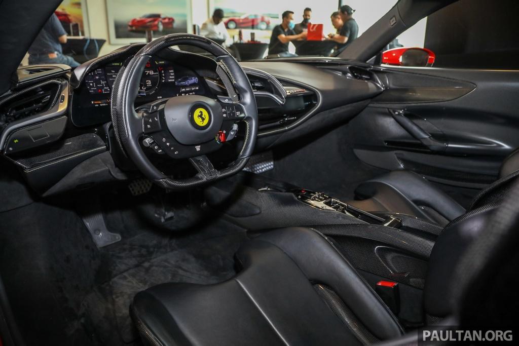 Sieu xe Ferrari SF90 Stradale duoc ra mat tai Malaysia anh 6