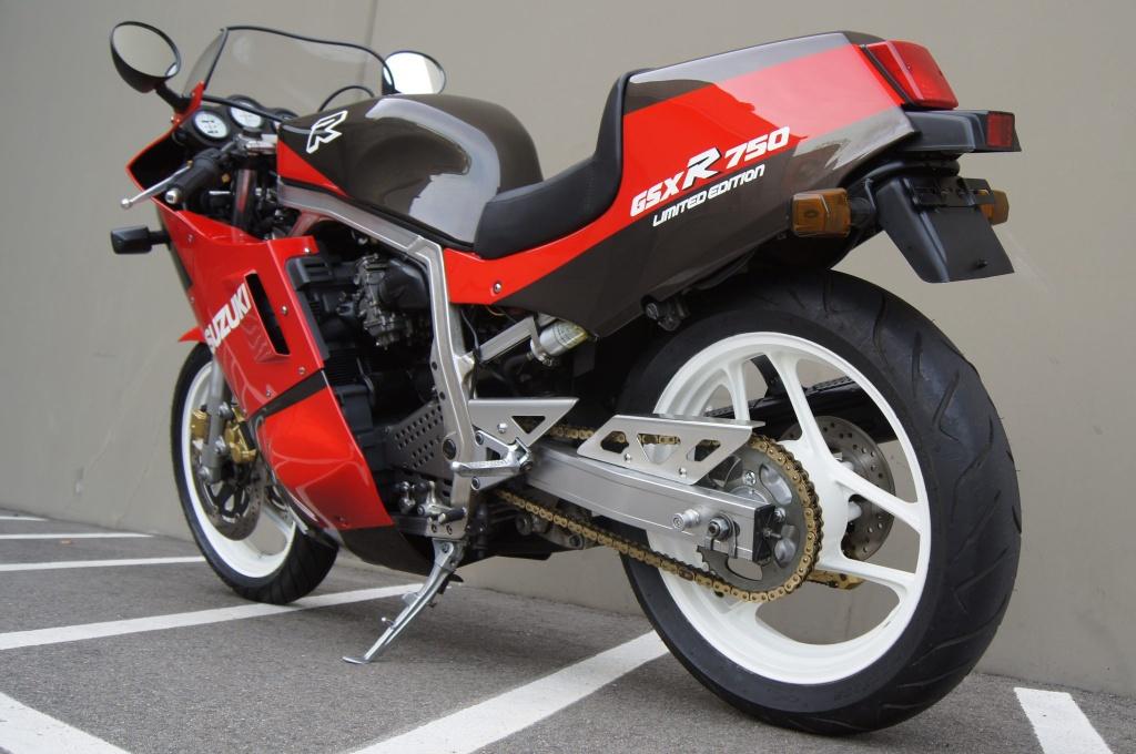 Suzuki GSX-R750 Limited Edition JDM cu duoc rao ban gia 14.000 USD anh 7