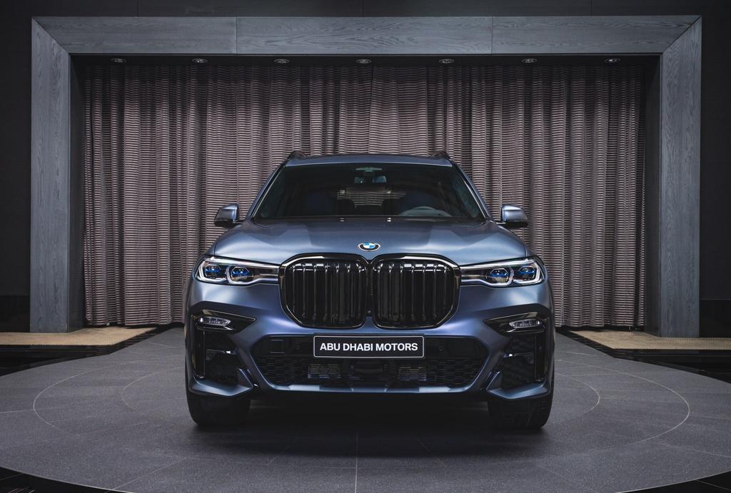 Chi tiet BMW X7 Dark Shadow Edition gioi han 500 chiec tren toan cau anh 1