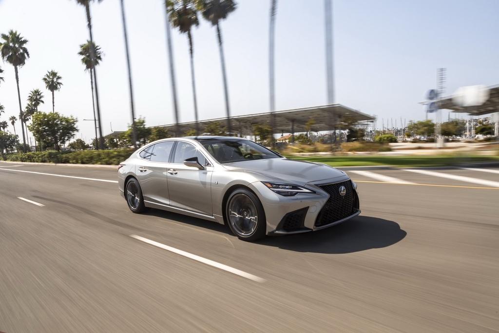 Lexus LS 2021 duoc ra mat tai My anh 1