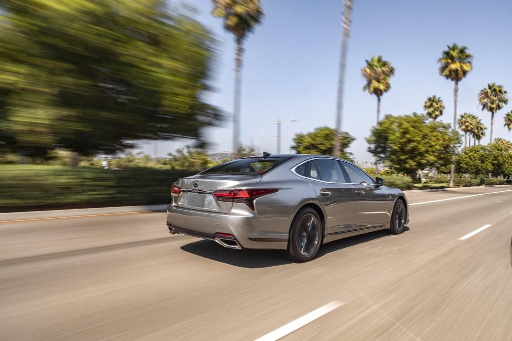 Lexus LS 2021 duoc ra mat tai My anh 2