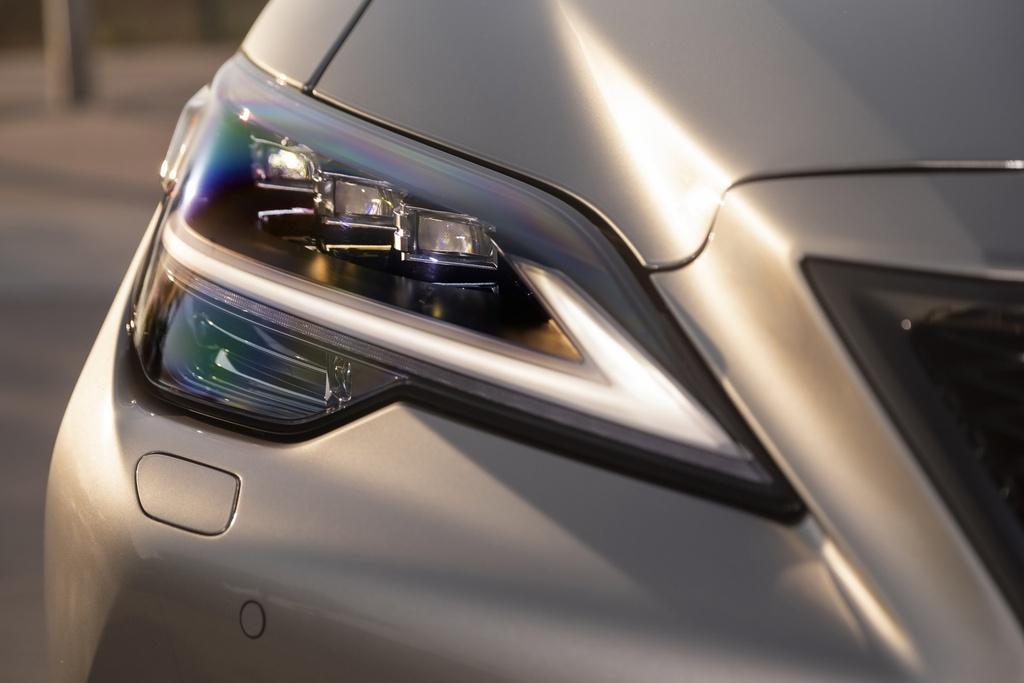 Lexus LS 2021 duoc ra mat tai My anh 3