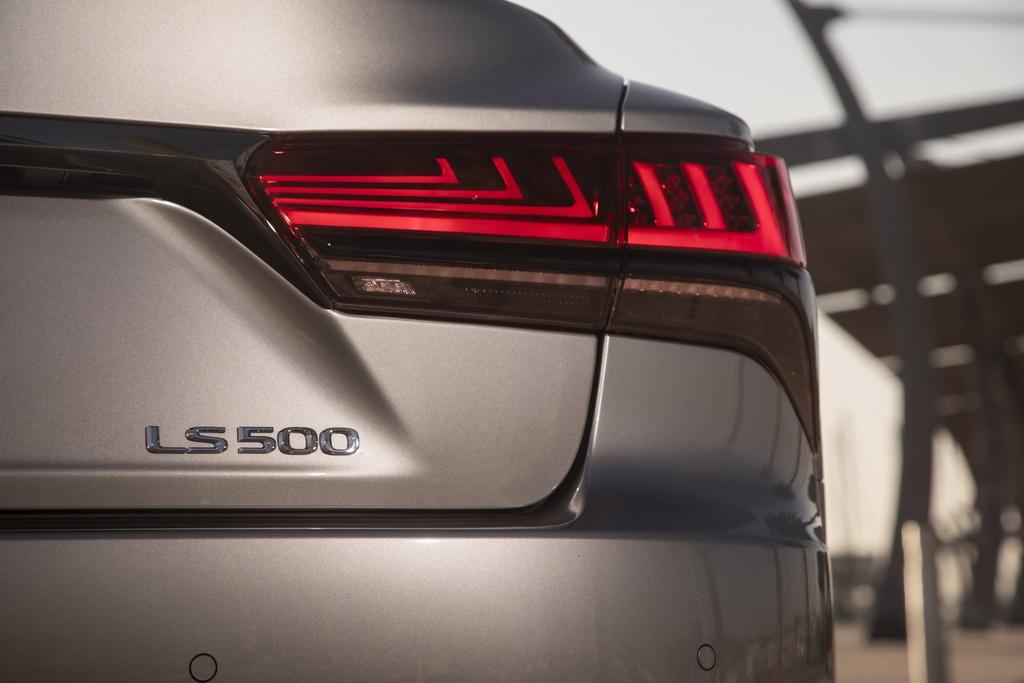 Lexus LS 2021 duoc ra mat tai My anh 5