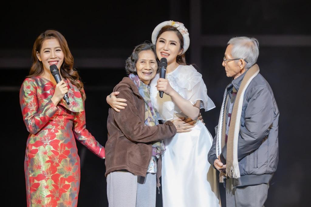 Huong Tram: 'Khong hoi han vi dung ca hat sang My du hoc' hinh anh 5