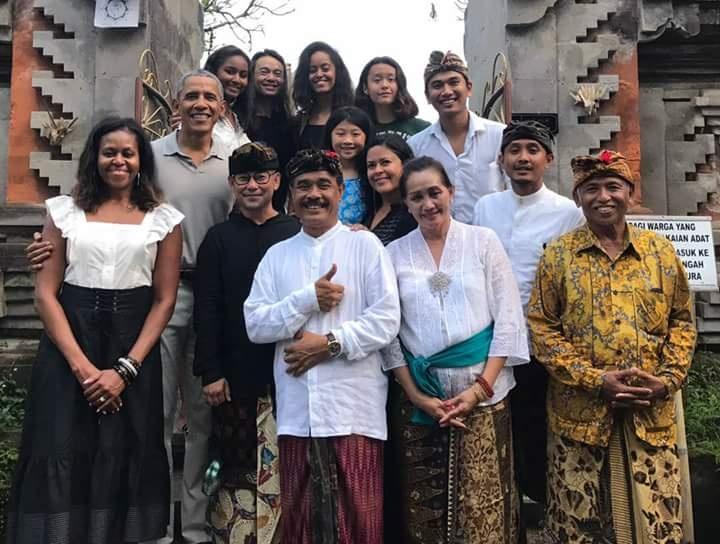 Ong Obama dao choi tren dong lua o 'que huong' Indonesia hinh anh 8